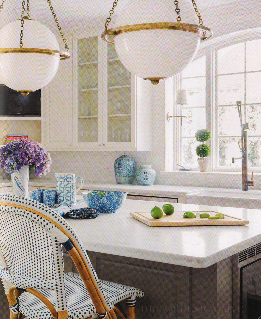 Gorgeous blue and white kitchen from Dream Design Live, Paloma Contreras' fantastic new interior design book