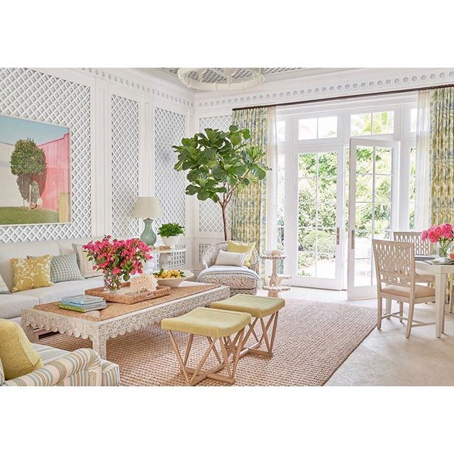 Have you seen the latest issue of @verandamag?  I just want to recline in my PJs and look and look.  Sooooo many gorgeous features.  One, sharing the amazing work of @phoebehoward_decorator includes incredible indoor and outdoor spaces of which this room is just one of many not to miss. 📷 @jsavagegibson . . . . . #coastaldecor #coastaldesign #palmbeachstyle #palmbeachchic #interiors #interiordesign #lattice #classicdesign #classicstyle