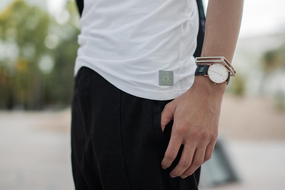 calvin-klein-white-tshirt-1.jpg