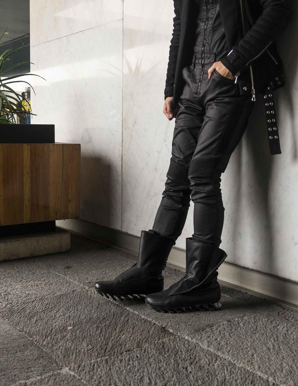 mybelonging-tommylei-menswear-streetstyle-luisa-via-roma-mexico-city-rick-owens-adidas_8.jpg