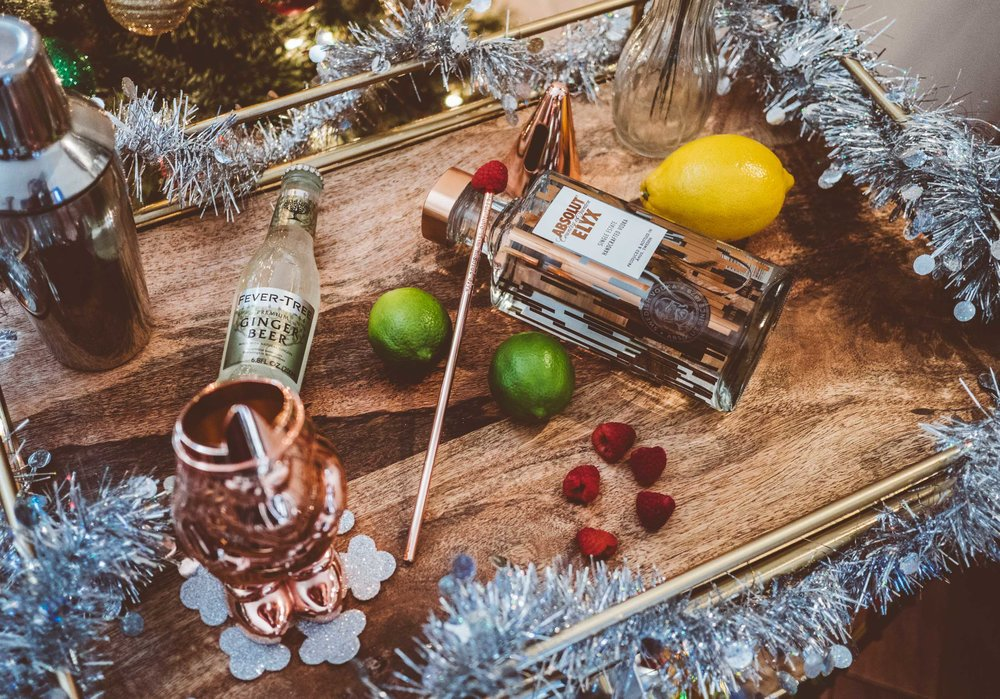MYBELONGING-TOMMYLEI-THE-BEST-ABSOLUT-ELYX-COCKTAIL-BAR-CART-HOLIDAY-DRINK-RECIPES-19.jpg