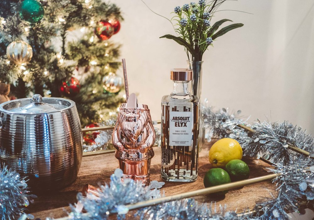 MYBELONGING-TOMMYLEI-THE-BEST-ABSOLUT-ELYX-COCKTAIL-BAR-CART-HOLIDAY-DRINK-RECIPES-5.jpg
