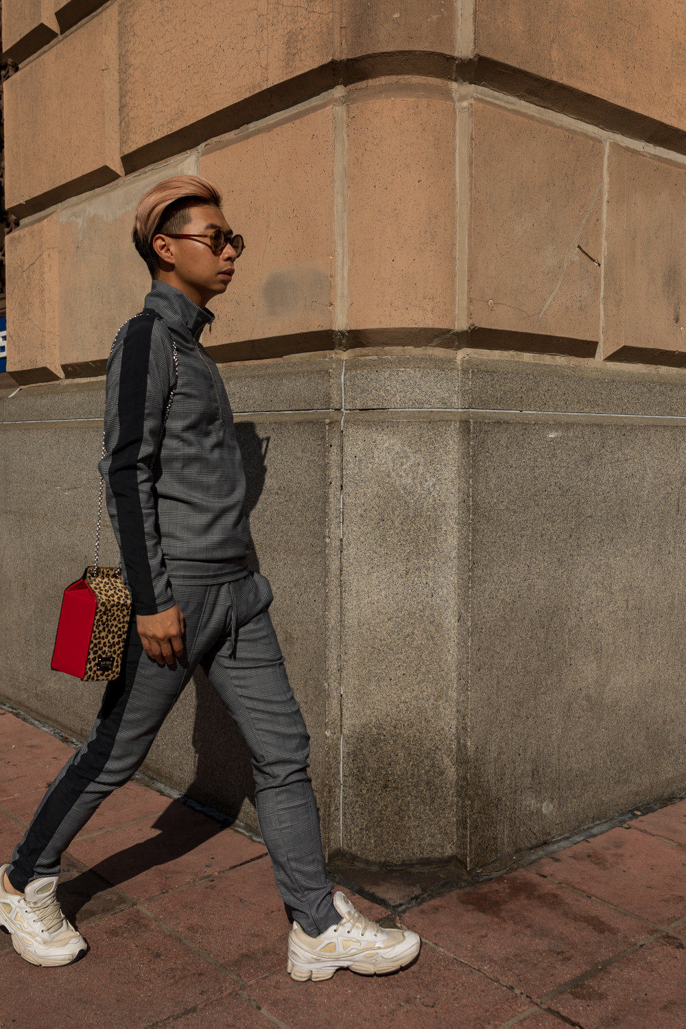 MYBELONGING-UBER-DOORS-ARE-ALWAYS-OPENING-DOWNTOWN-LOS-ANGELES-STREETSTYLE-PHOTOGRAPHY11.jpg