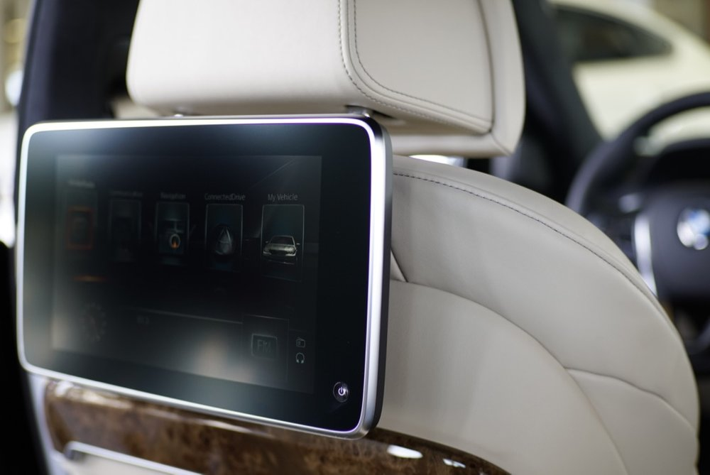 BMW 750i 17.jpg