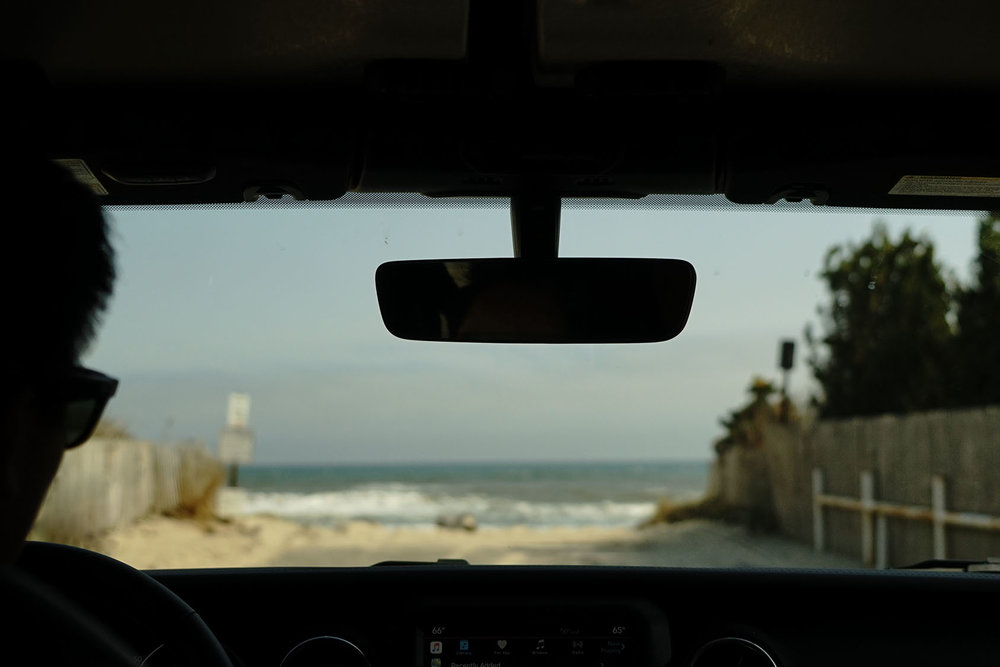 ©mxplus-jeep-pre-meet-enter-beach-scene.jpg