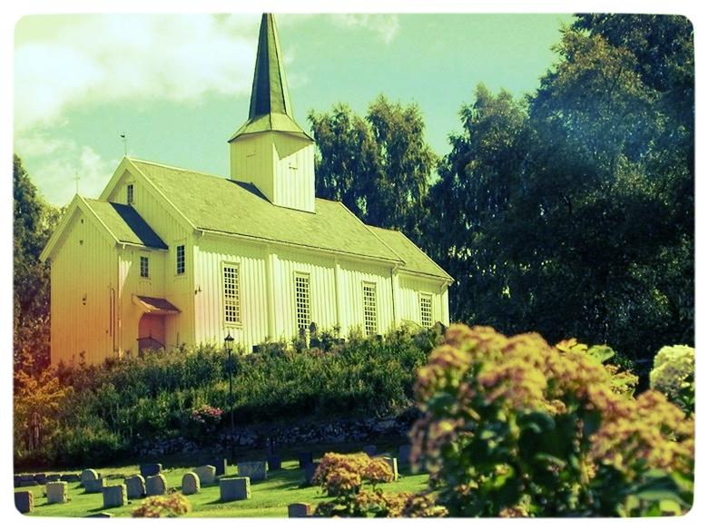 Holter kirke 2.jpg