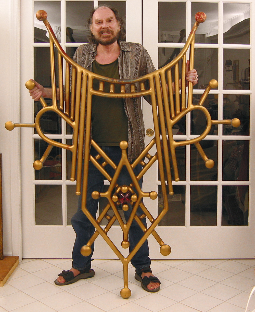 The artist with a full scale welded sculpture