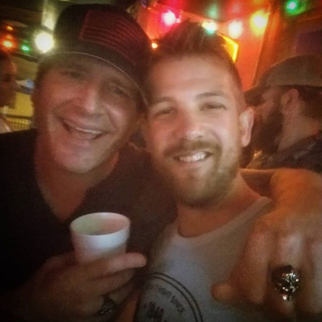 Great time meeting @jrodfromoz the other night! Thanks for the stories and the laughs dude. May have had a drink or two...#nashville #nashvillenight #countrymusic #icoulddrinktothatallnight #goodtime #coldcans