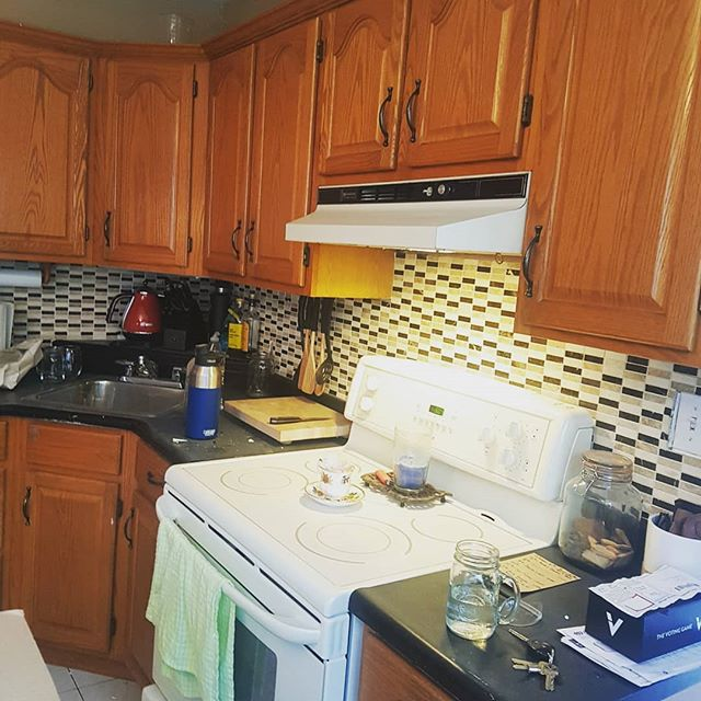 I have been pretty quiet over the past 6 weeks because @katiemorrice_slack and myself have been busting our asses with this badass kitchen Reno! Thanks to all the people who helped us along the way! @jakeslack @fancyclancy91 Peter and Linda Morrice and of course my uncle Glen! @mamacare1 couldn't do it without you guys. And a ginormous huge thanks to my wife for being there along the way through the laughter, anger, frustration and the million swear words that came out of my mouth during this project.  We are so pumped to break in this new kitchen over the holidays!  Time to take a break lol  #homereno #reno #kitchen #newkitchen #diy #readyforchristmas #projects #fixerupper #pumped #countertop #handyman #handyfam
