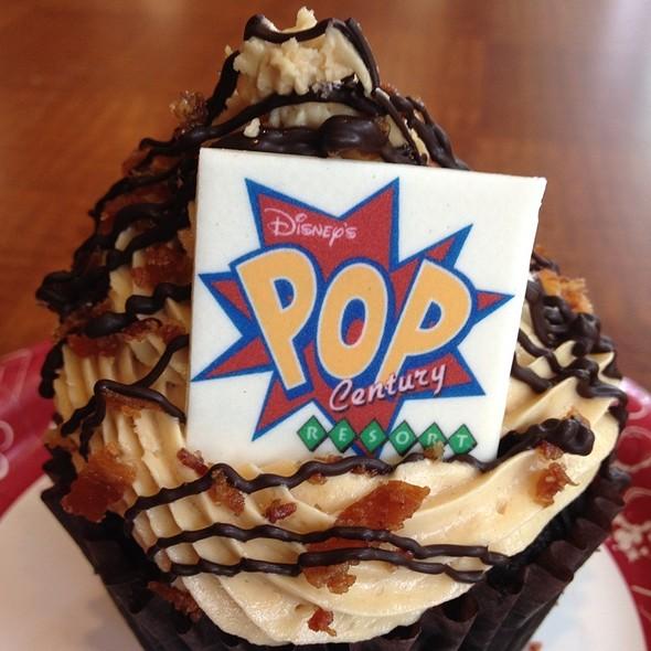 king cupcake.jpg