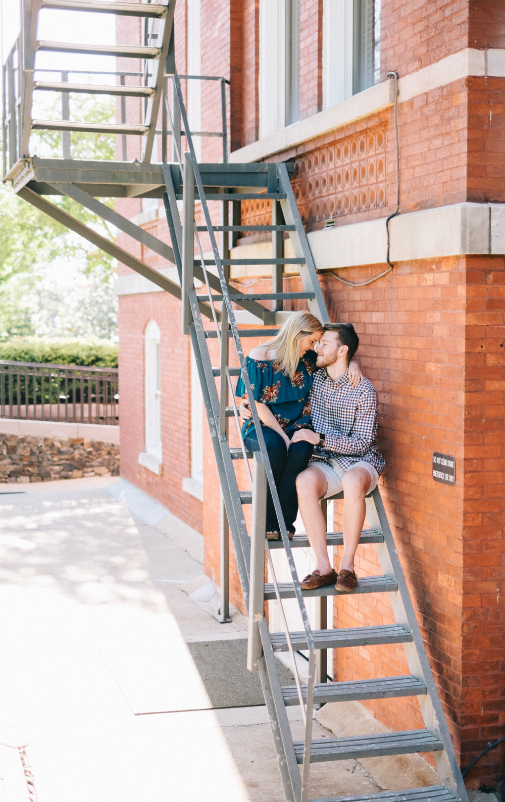 auburn-alabama-natural-light-engagement-photographer.jpg