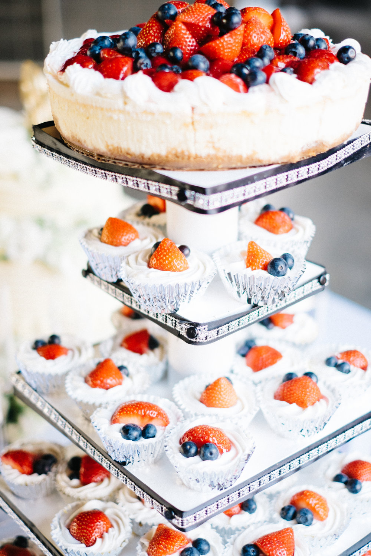 groomsmen-cheese-cake-wedding-photographer.jpg