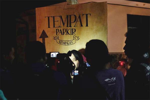 TEMPAT_PARKIR_KENANGAN._FOTO_VIA_FESTIVALMELUPAKANMANTAN