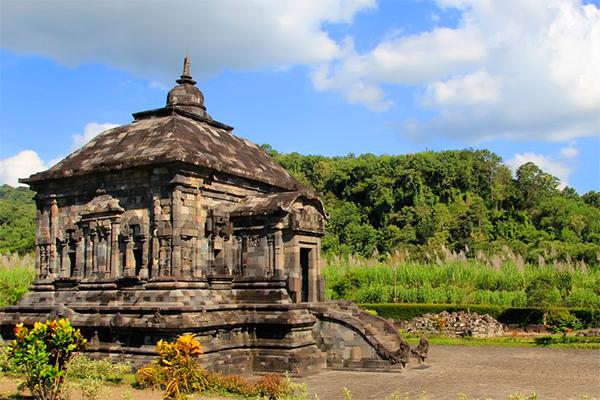 CANDI_BANYUNIBO._FOTO_VIA_indonesiakaya.com