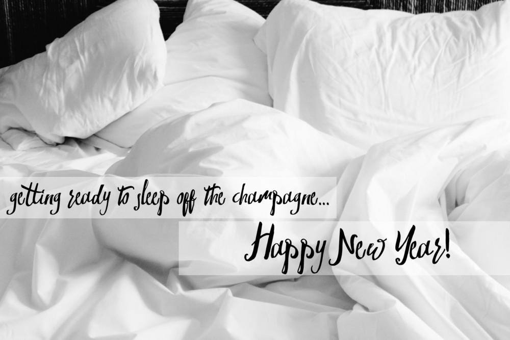 messybed-newyear-champage.jpg