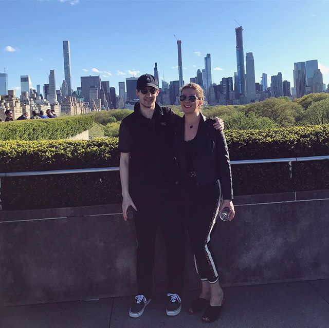 Two NYers wear black to @metmuseum. Riveting.  #thegreatvibesguide #fashun
