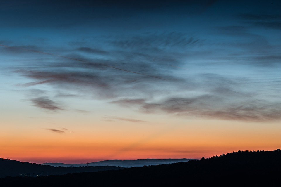 sunrise-209146_960_720.jpg