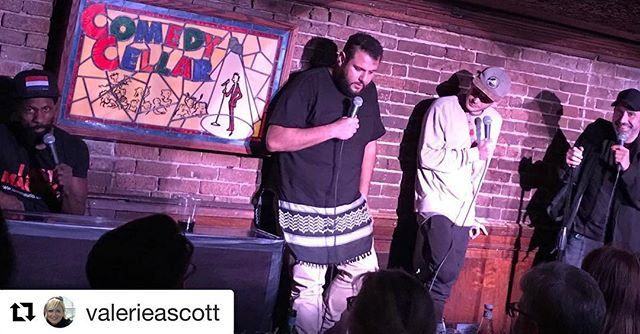 At this moment is when the great Dave Attell verbally body slammed me and I had nothing to come back with. Great times at the Cellar! #Aladdinwillnotbemyspecialtitle #allingoodfun  #Repost @valerieascott (@get_repost) ・・・ Absolutely hilarious! #attellislaughinginthispicture #nyccomedycellar #Aladdin