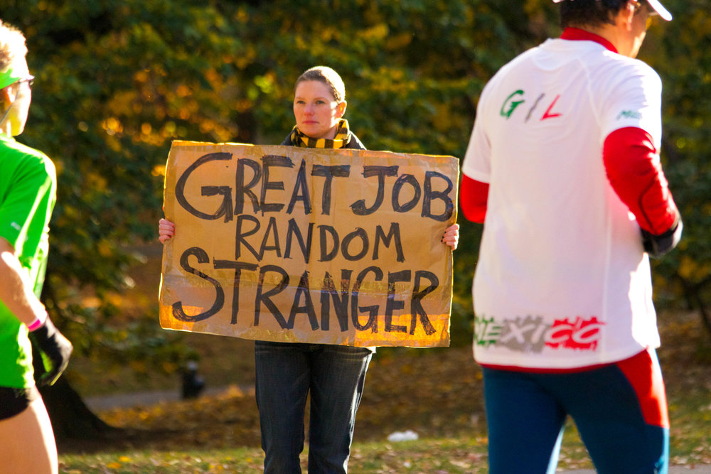 Stranger Helps Stranger. New York City Marathon