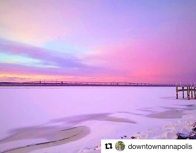 #Repost @downtownannapolis (@get_repost) ・・・ Frozen sunset on the bay 🔥❄️ // 📷 by @brycechamberlin