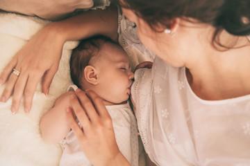 breastfeeding mom.jpg