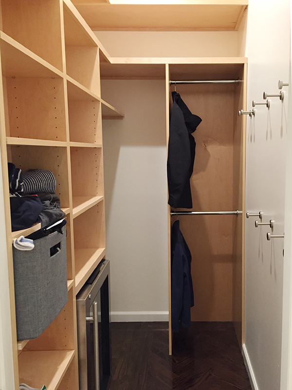 3_Henry & Higby_Closet_1_Installed Shelving.JPG