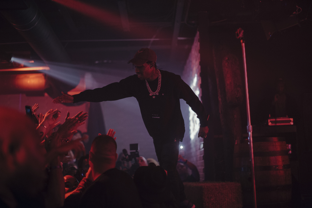 160516 BILLBOARD BACK TO THE BLOCK W TRAVIS SCOTT 1029.jpg