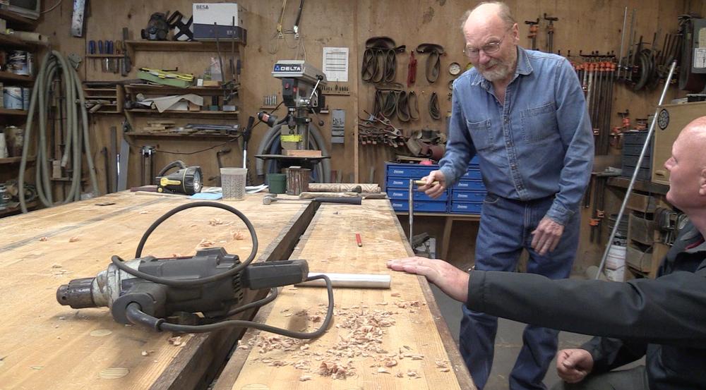 Joey's workbench.....sweet!!