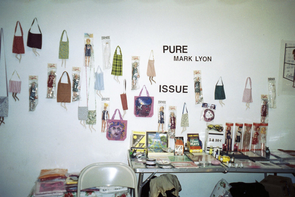 issue display 2_9.jpg