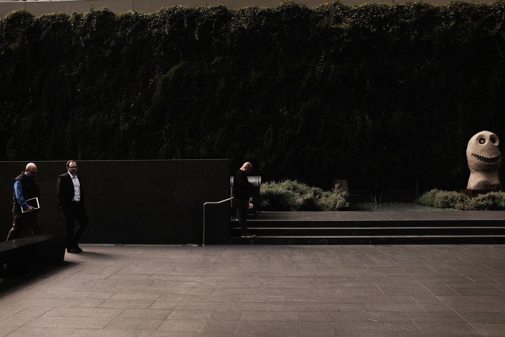 3men_sculpture.jpg
