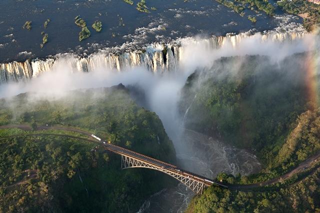 Vic-Falls-Zimbabwe.jpg