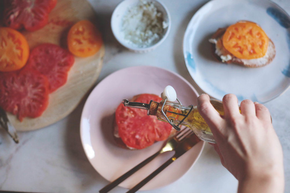 Heirloom Tomato and Goat Cheese Crostini- Tastemaker Blog