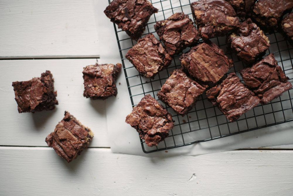 Swirled Blondie Brownies - Tastemaker Blog