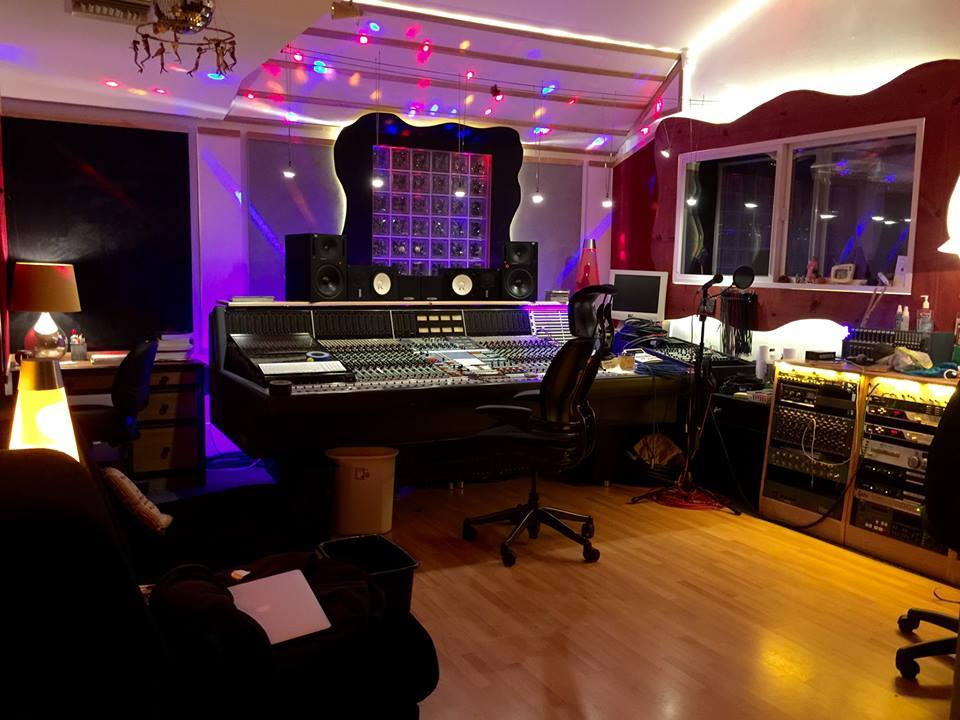 Bobby Summerfields awesome Sherman Oaks studio. O'Sullivan Audio repurposed some existing wiring to hook up to Bobby's Neve VR and his outboard.