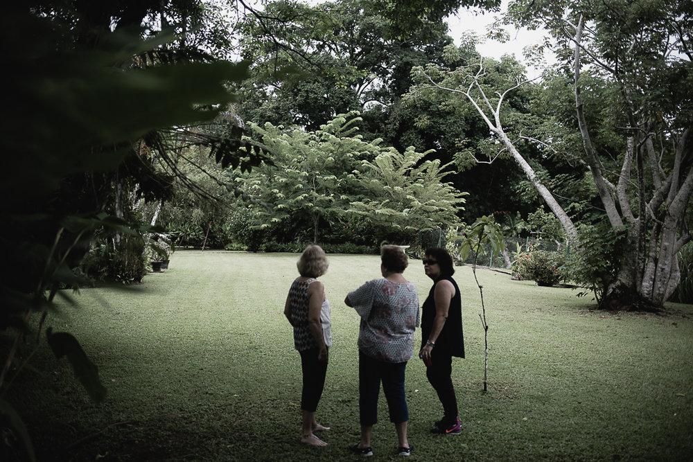 Garden Club w the De Verteuils-13.jpg