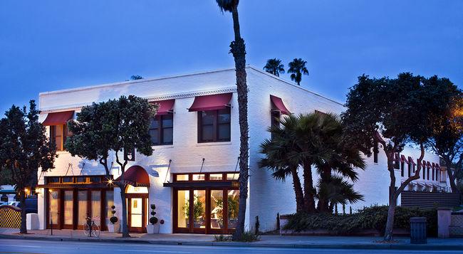 Hotel Indigo in Santa Barbara. Photo courtesy of Kayak.com