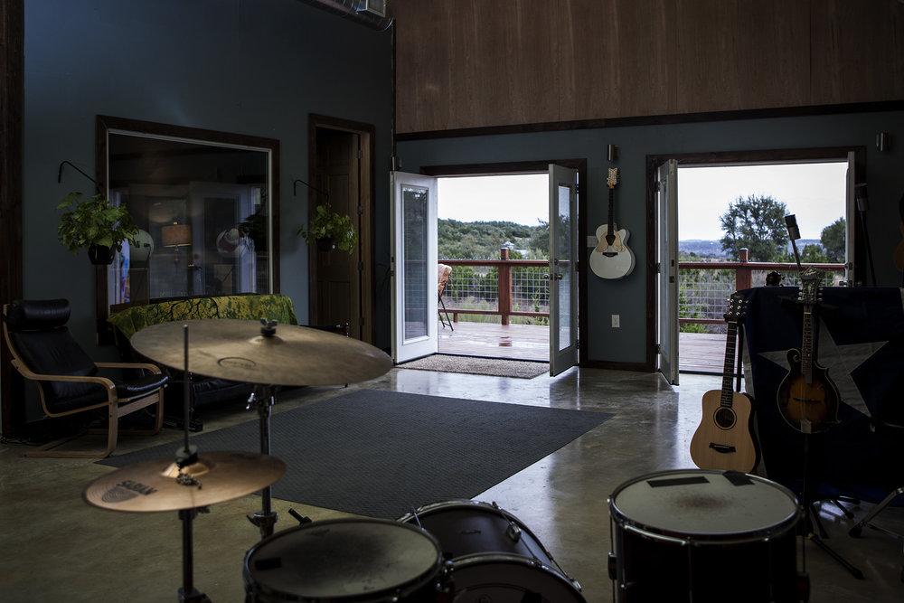 studio6.jpg