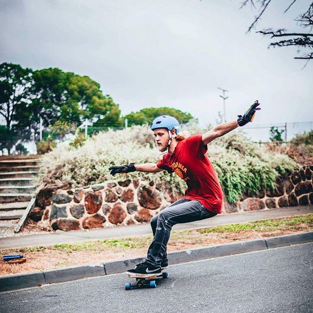 Oscar tearing it up on his new vinigarr  Sick pic from @whitedanwasted  #gyg #longboard #skateeverydamnday #skateday #longboarder #longboardslide #downhillskateboarding #vinegarr #heelside #standie #madeinmelbourne #getyourgoatlb