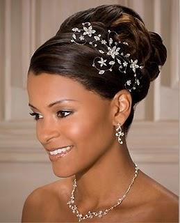 23102012180125cabelo-de-noiva-negra-ou-com-cabelo-afro-penteados-com-cachos-a-2.jpg