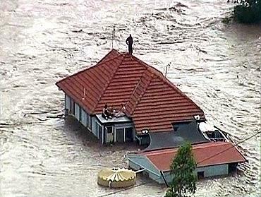 god_flood_man_roof