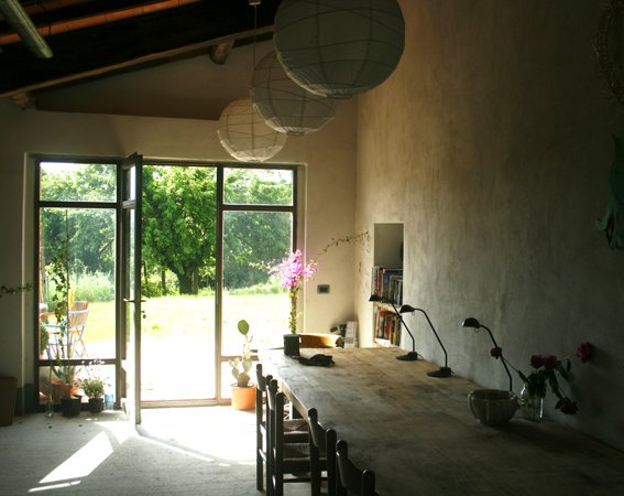 Light in the art studio Siliano Alto EAT.PRAY.MOVE Yoga Retreats | Tuscany, Italy