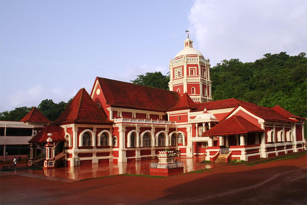 Shantadurga_temple.jpg