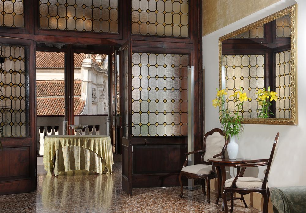Lounge Palazzo Vitturi | EAT.PRAY.MOVE Yoga | Venice, Italy