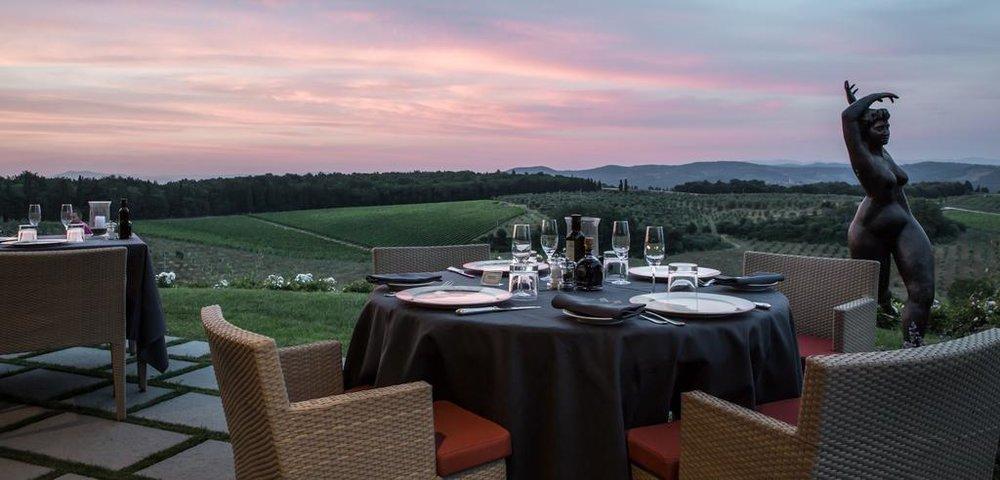 Dinner sunset Castello del Nero | EAT.PRAY.MOVE Yoga | Chianti, Italy