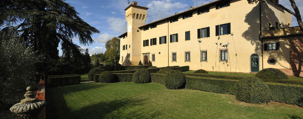 Walk the grounds Castello del Nero | EAT.PRAY.MOVE Yoga | Chianti, Italy