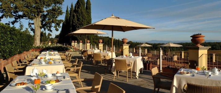 Dinner by the vineyards Castello del Nero | EAT.PRAY.MOVE Yoga | Chianti, Italy