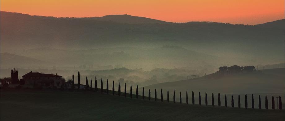 Sun setting over Tuscany Castello del Nero | EAT.PRAY.MOVE Yoga | Chianti, Italy