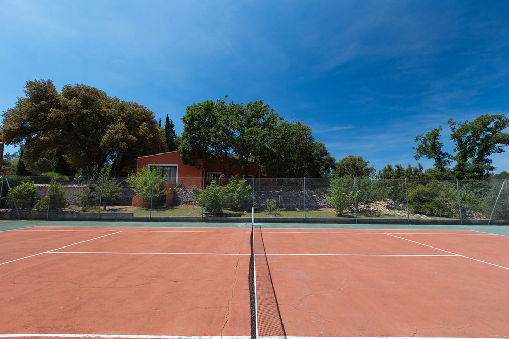 Tennis courts for down time Bastide Avellanne | EAT.PRAY.MOVE Yoga Retreats | Provence, France
