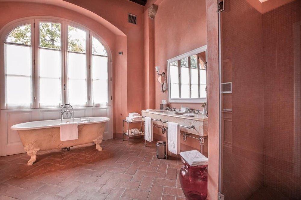 A bath to dream about Castello del Nero | EAT.PRAY.MOVE Yoga | Chianti, Italy