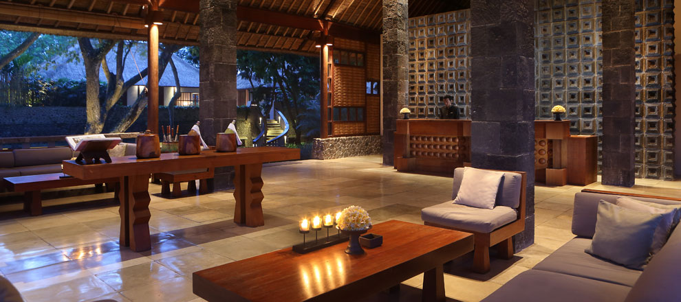 Nighttime in the lounge Alila Ubud EAT.PRAY.MOVE Yoga Retreats | Bali, Indonesia